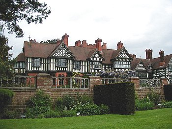 Wolverhamptons Mander Family Were Greatly Inspired By The Arts And Crafts Movement As Can Be Seen In Their Grandest House Wightwick Manor